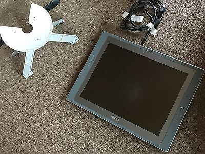 Wacom Cintiq 21UX Graphics tablet fully working inc 2 pen stylus with 2 stands