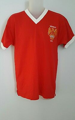 Manchester united Wembley   score  draw official  retro football    shirt M