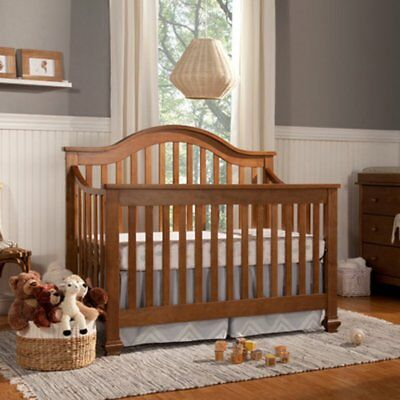 DaVinci Clover 4-in-1 Convertible Crib with Toddler Rail