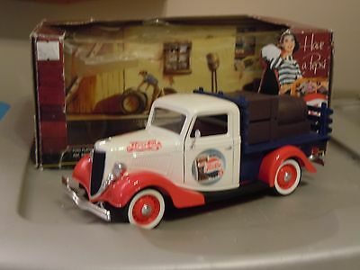 """Solido 1937 Ford Delivery 1:18 """"Pepsi"""""""