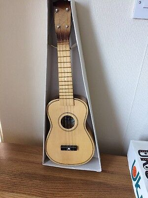 Lark Ukulele Including The First Step How To Play Booklet