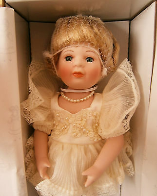 Vintage Hillview Lane Limited Editions Porcelain Doll 'Cherie' New Collectable