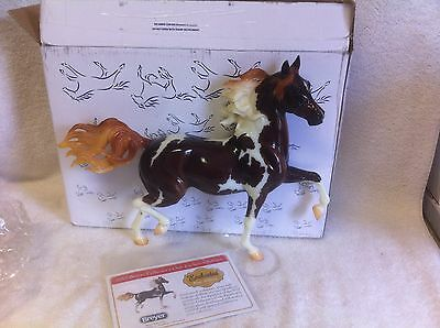 Breyer #712060  ENCHANTED  Collector Club GLOSSY PINTO Huckleberry Bay /COA &box