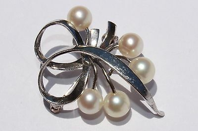 100% Authentic MIKIMOTO Sterling Silver White Pearls 1960's Vintage Brooch Pin