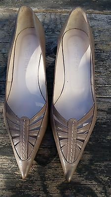 Witchery Ladies Low Leather Beige Heels Shoes Size 37 or 6