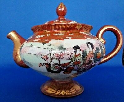 Antique / Vintage Japanese Porcelain Teapot