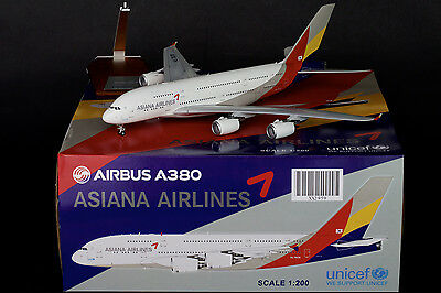 Asiana Airlines Airbus A380 Reg: HL7626 JC Wings 1:200 Diecast Models XX2959
