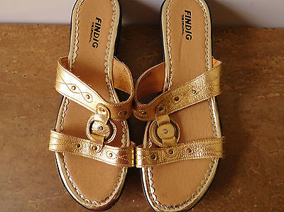 Findig Womens Shoes/Sandals, Size 40, Leather, Gold, Excellent Condition