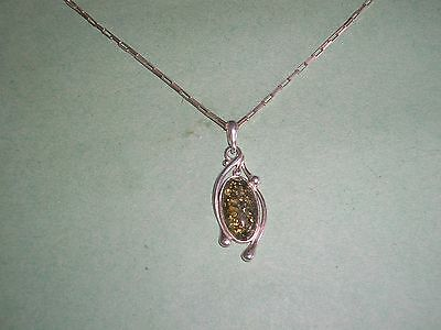 """Sterling Silver Necklace & Green Amber Pendant 910 Not Scrap 18"""" Chain"""