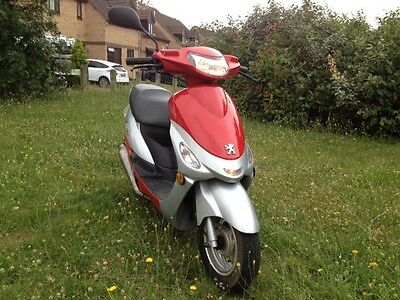 2015 Peugeot Vclic vclic EVP2 scooter moped 2700 miles owned from new