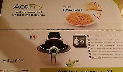 TEFAL AH950040 ActiFry Health Fryer Express XL White Low Fat Fryer Oil Spoonful