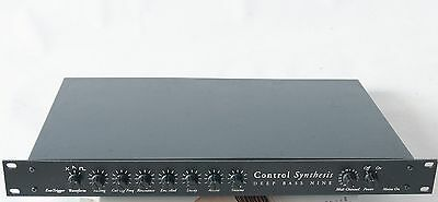 Control Synthesis Deep Bass Nine 9 Analog Synthesizer with MIDI