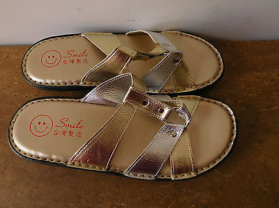 Smile Womens Slip-Ons/Sandals, Size 38, Leather, Gold/Silver, VGC