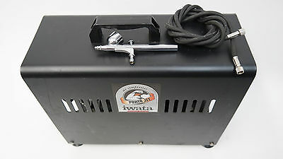 Iwata Power jet airbrush compressor and Iwata HP-C airbrush with air hose