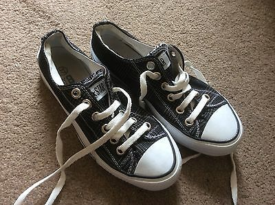 Converse Kids Or Small Adult, Size 37/4.5