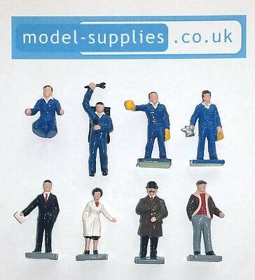 Dinky 009 Service Station Personnel Reproduction Plastic Painted Figure