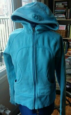 Lululemon yoga light blue Scuba hoodie jacket top with hood,  6 M