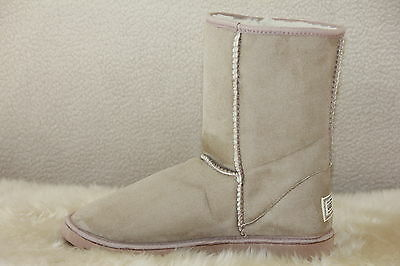 Ugg Boots Short, Synthetic Wool, Colour BEIGE, Size 10 Lady's