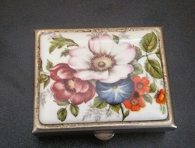 Lovely Vintage Snuff Box Pill Box Collectable Lovely Hand Painted Design Box