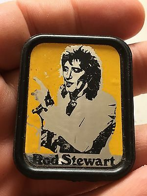 Rod Stewart Plastic Pin Badge (see ALL pictures for quality)