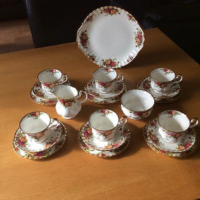 21 Piece Royal Albert Old Country Roses First Quality Pretty Teaset