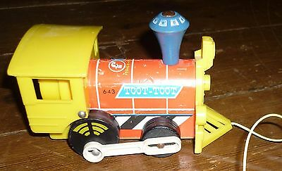 Fisher-Price - Toy Train - Toot Toot - Wood & Plastic - Vintage - 1964