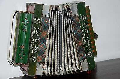 Peerless Accordeon German Vintage Accordion