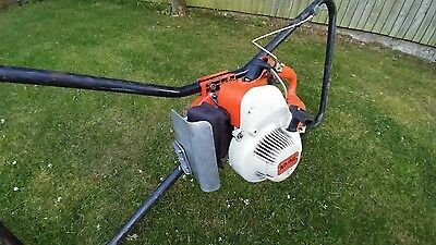 """STIHL Earth Auger. TWO MAN POST HOLE BORER, 2 stroke. Also includes 6"""" auger bit"""