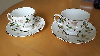 2 x Vintage Footed Wedgwood Wild Strawberry Cups and Saucers
