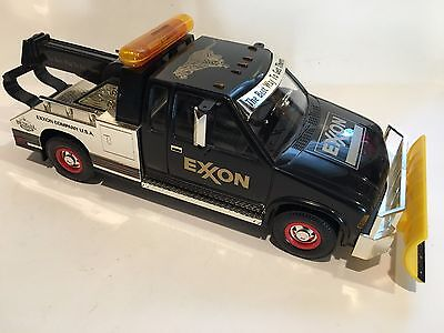 Exxon 1999 COLLECTOR'S EDITION TOW TRUCK WITH SNOW PLOW Limited Edition