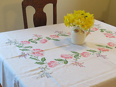 Vintage Handmade Linen Tablecloth Table Cloth Embroidered Rose Flowers 8 Napkins