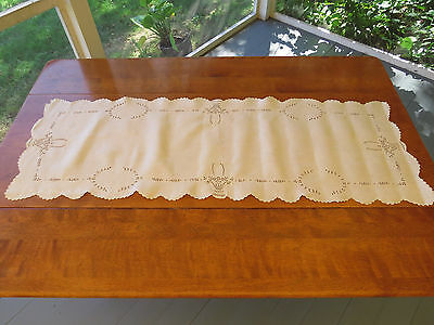 Antique Wedding Bridal Basket Linen Embroidered Runner Scalloped Edge 18x54