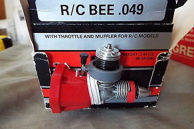 BRAND NEW in the BOX COX RC BEE .049 GLOW PLUG ENGINE with Wrench