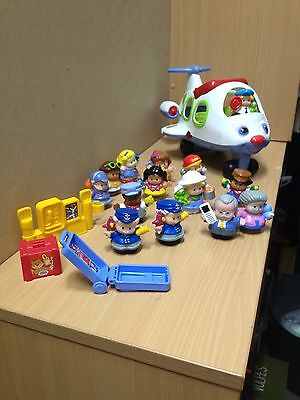 Fisher Price Little People Aeroplane and 14 figurines + suitcase, pump