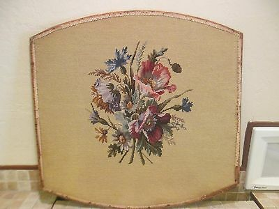 """Antique Aubusson? Tapestry Floral Priced With Low Opening Bid 29"""" X 28"""" Nice N/r"""