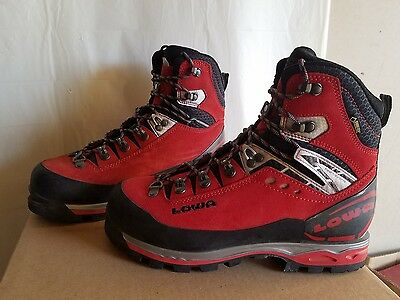 Lowa expert mountaineering boots Mens 8
