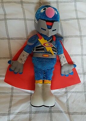Sesame Street - Large Interactive Talking Toy - Super Flying Grover