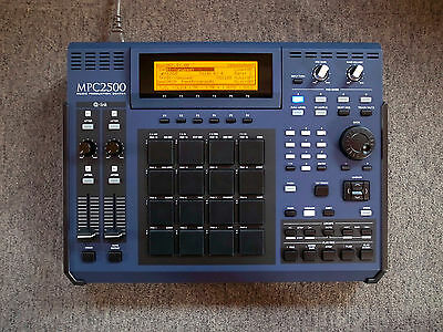 "AKAI MPC 2500 ""WUV"" custom by ghostinmpc (80GB HDD, 128MB RAM, CD/DVD drive)"