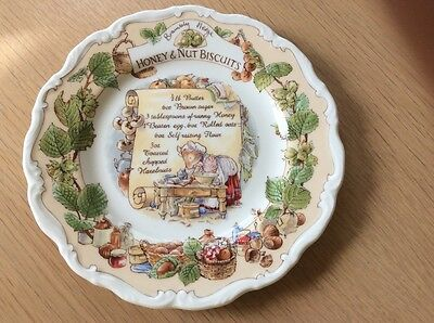 Brambly Hedge Honey & Nut Biscuits Plate  signed  by Michael Doulton
