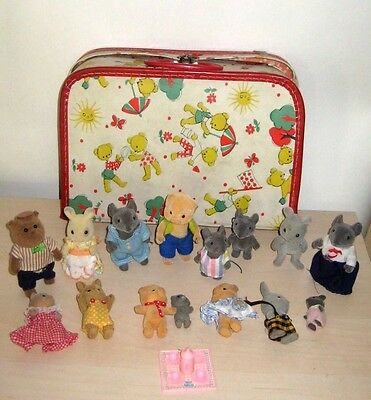 Lot Of 16 Vintage Flocked Animals  Plus Case Calico Critters  Maple Town