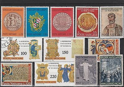 Vatican City - Assortment Of 12 X Mnh  & Used Stamps