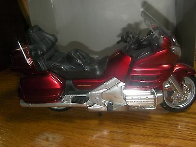 """GOLD WING """"New Ray"""" Honda Motrcycle 2001 GL 1800 1/12 scale"""