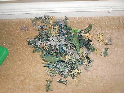 Bag of plastic toy soldiers - hours of fun for kids