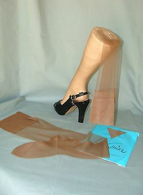 "2 Pair VTG Unworn Lady Spruce Seamless Mesh Stockings~Fancy Heel~9-30""~Cinnamon"