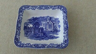 george jonnes& sons abbey shreedded wheat dish blue & white.