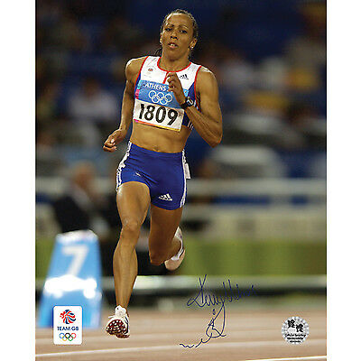 Kelly Holmes Signed 16x20 in. Team GB Photo - In Full Stride