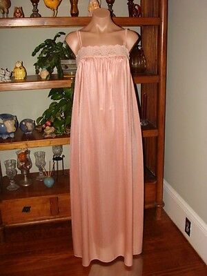 "Ladies/Womens Vintage Miss Elaine Long Nylon Nightgown - Bust to 38"" - Peach"