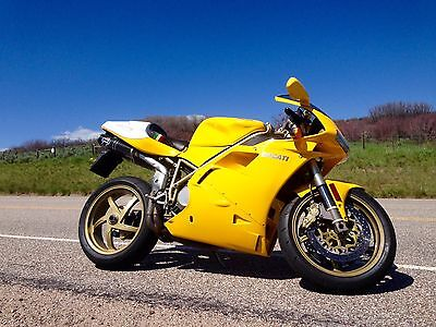 1998 Ducati Superbike  Ducati 748 w/ 996 motor and extras - ALL maintenance complete