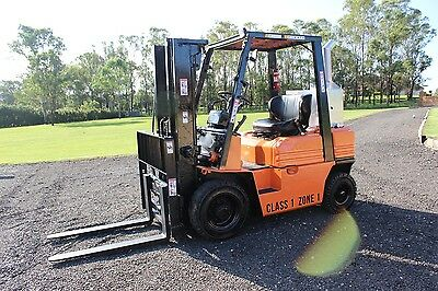 Toyota 2.5 t diesel flameproof forklift container mast,cheap,bargain,with spares