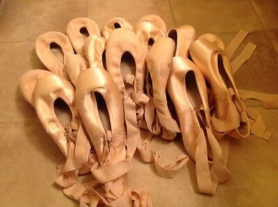 8 Pairs of Dead/Worn Gaynor Minden Pointe Shoes - Sz 8M